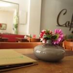 Im_Cafe_klein_2